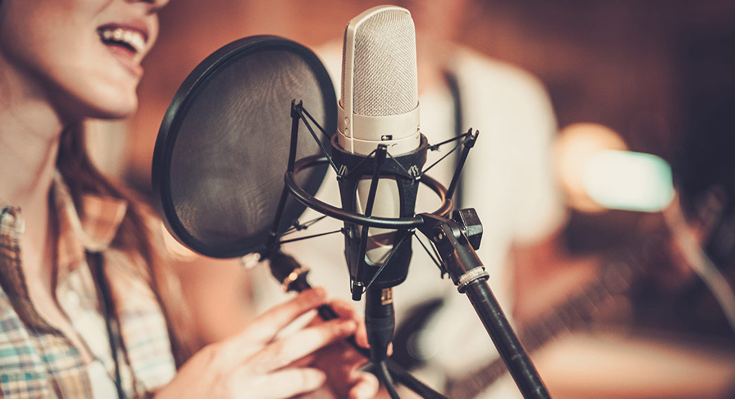 Tips to Choose the Right Voice Recording Studio